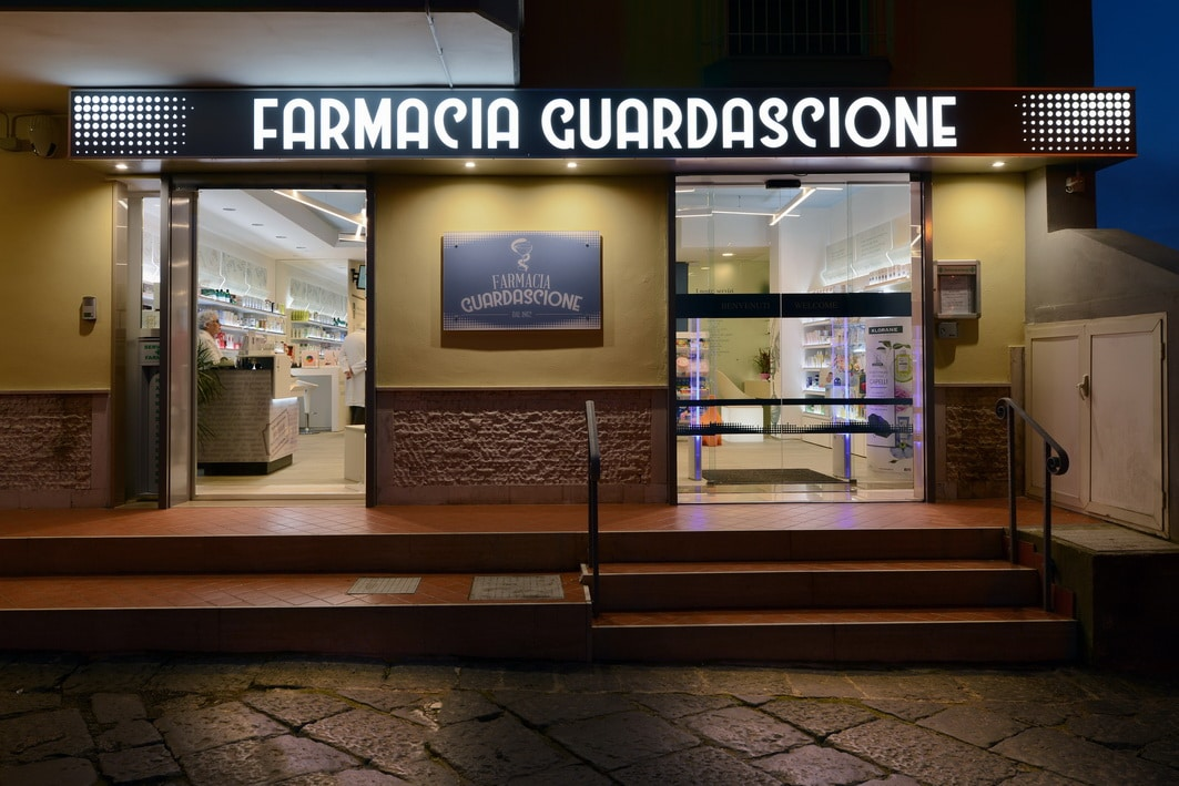 Arredi farmacie Napoli