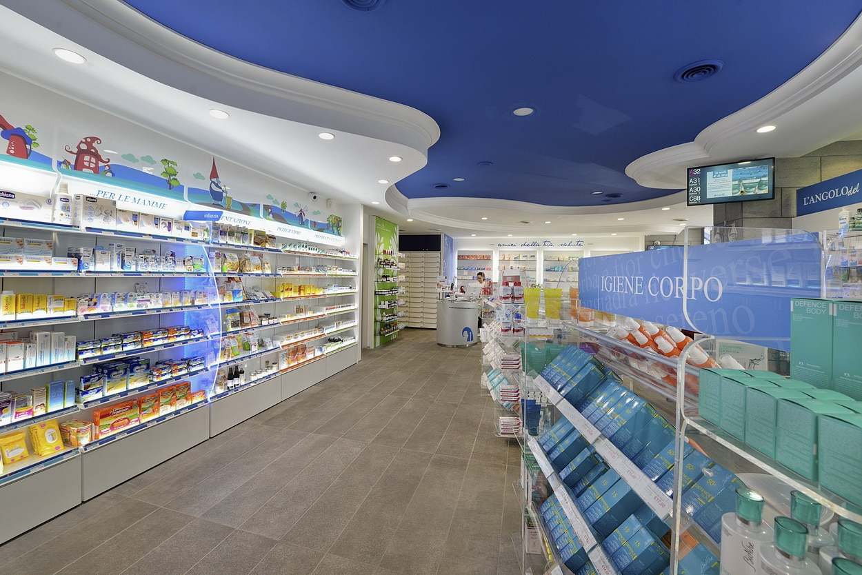 Arredo farmacia Roma