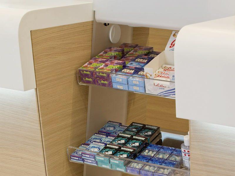 Scaletta banco farmacia