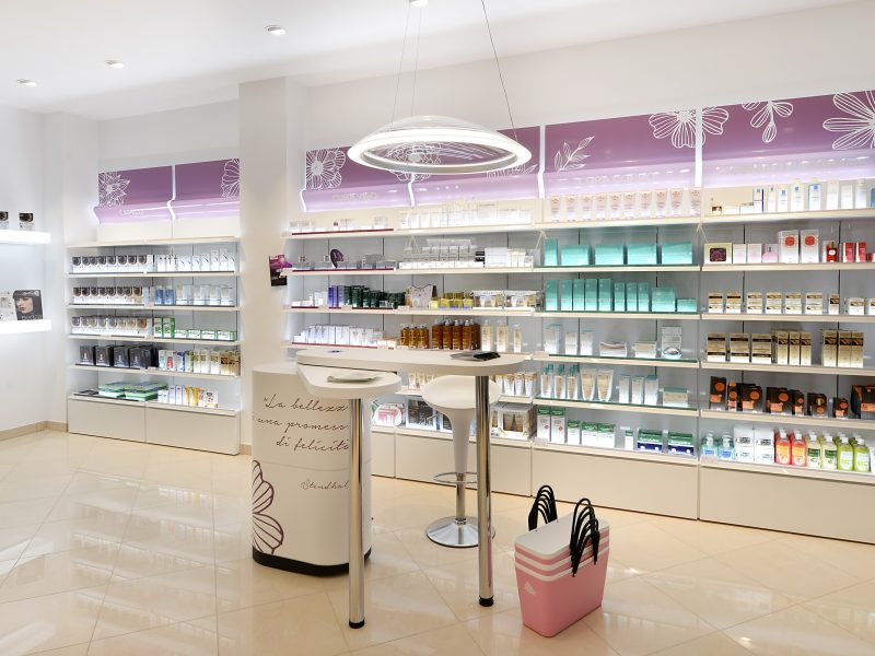Esposizione cosmetica in Farmacia