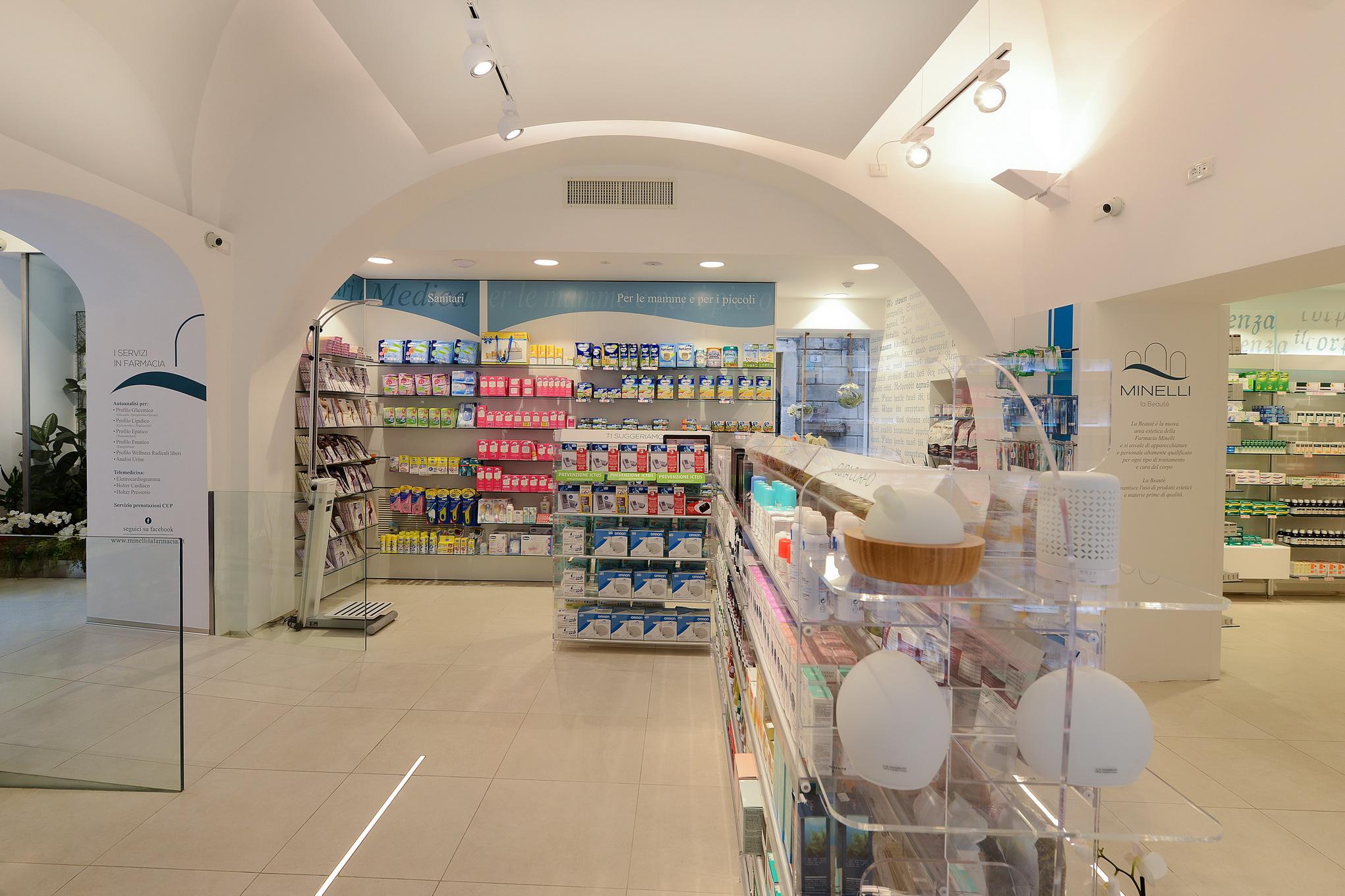 Arredamenti farmacia Tivoli