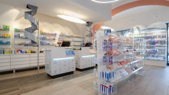 Arredi farmacia Torino