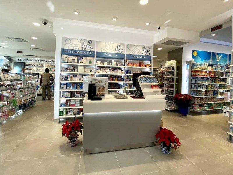 Arredamenti farmacie Napoli 02 (1)