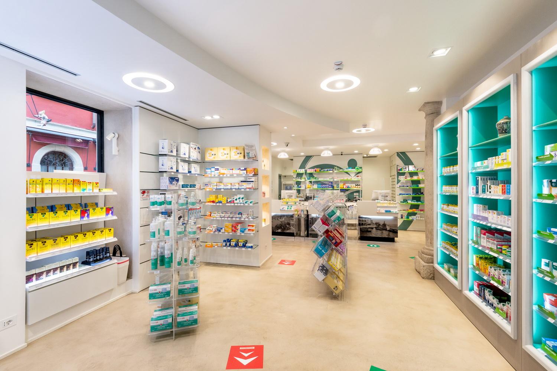 ristrutturazione farmacia lombardia